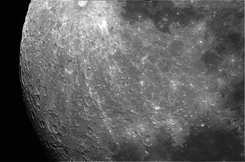 Luna-18-09-2016 Telescopio C11HD;F:10; Cámara ASI174MM-C; 1 vídeo de 60¨; Procesado: AutoStakkert y Registax.
