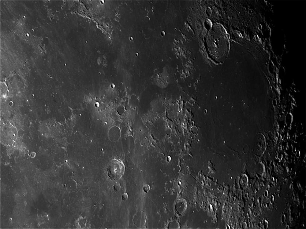 moon_192534_0000