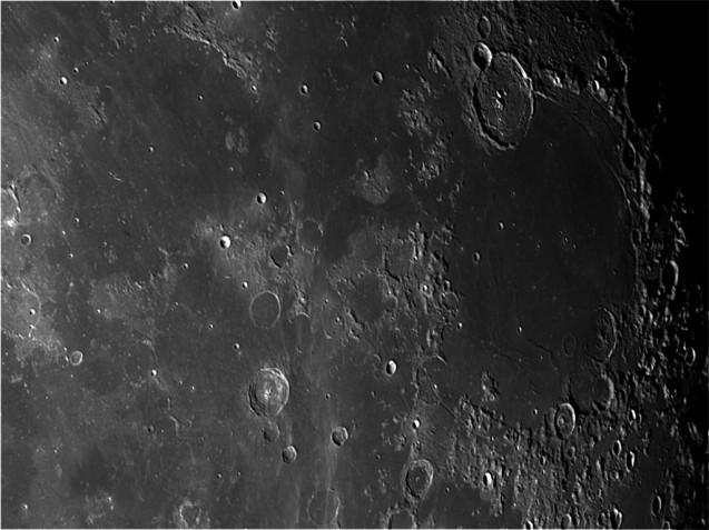 Luna- 30-06-2016 Telescopio C11HD;F:10; Cámara ASI174MM-C; 1 vídeo de 60¨; Procesado: AutoStakkert y Registax.